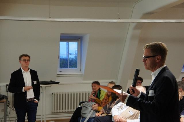 Prof. Dr. Lerch im Gespräch nach seinem Vortrag.